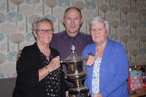 The sisters of the late Len Russell present the Russell Family Cup to Alan Darragh, 30 times the winner!