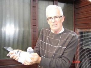 "Ron McKelvey holding ""The Wizard"" 1st Open NIPA Talbenny YB National."